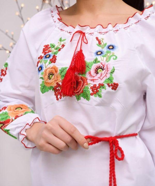 Женская украинская национальная вышиванка
